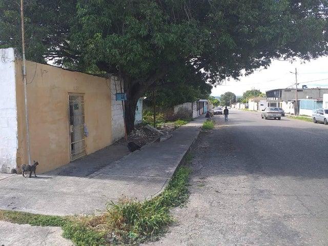 Terreno Lara>Cabudare>La Mata - Venta:8.000 Precio Referencial - codigo: 19-14723