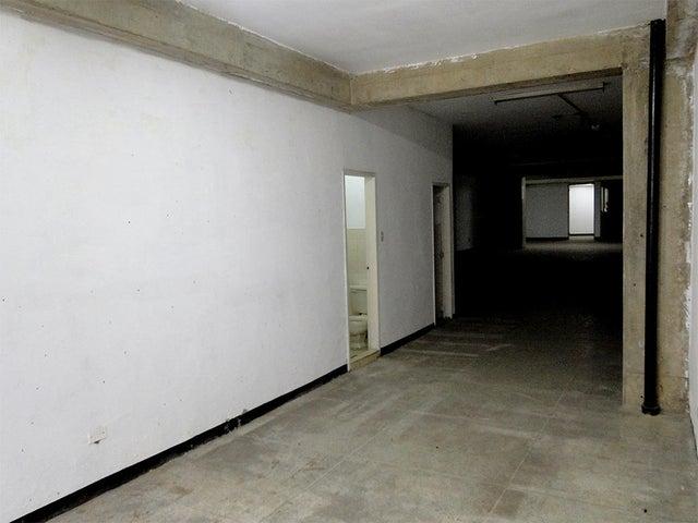 Local Comercial Distrito Metropolitano>Caracas>Parroquia La Candelaria - Venta:150.000 Precio Referencial - codigo: 19-14729