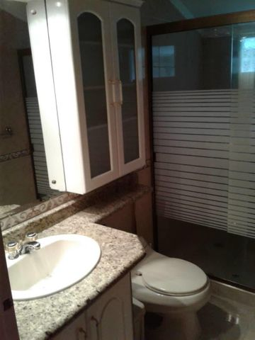 Casa Aragua>Maracay>El Castaño (Zona Privada) - Venta:250.000 Precio Referencial - codigo: 19-14726