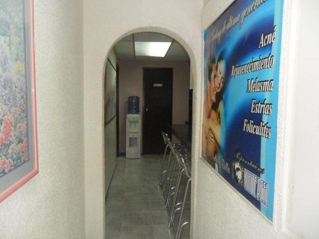 Oficina Distrito Metropolitano>Caracas>Plaza Venezuela - Venta:35.000 Precio Referencial - codigo: 19-14736