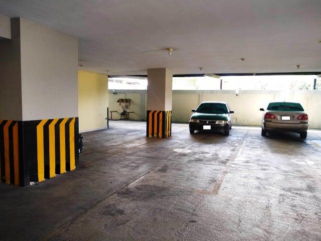 Apartamento Aragua>Maracay>San Isidro - Venta:115.000 Precio Referencial - codigo: 19-14733