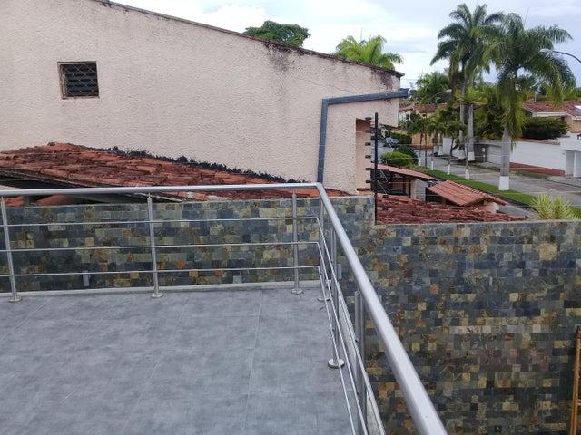 Casa Distrito Metropolitano>Caracas>Lomas de La Lagunita - Venta:370.000 Precio Referencial - codigo: 19-14740