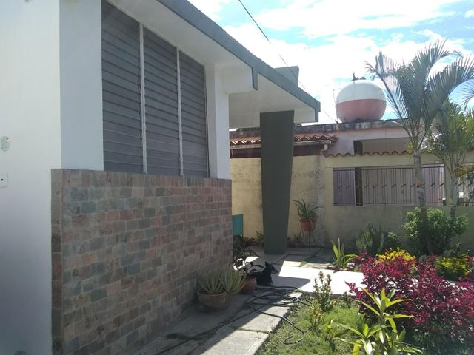 Casa Lara>Barquisimeto>Parroquia Concepcion - Venta:34.000 Precio Referencial - codigo: 19-14745