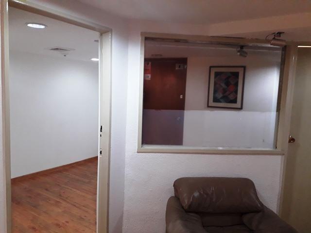 Oficina Distrito Metropolitano>Caracas>Chuao - Alquiler:300 Precio Referencial - codigo: 19-14755