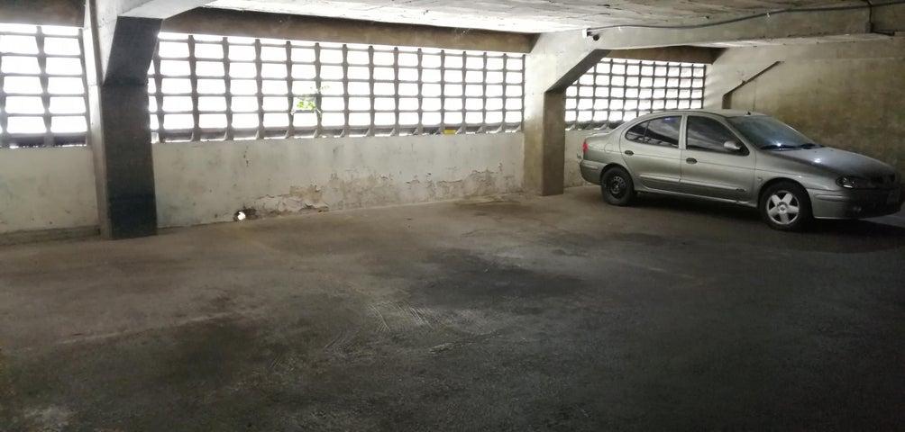 Apartamento Distrito Metropolitano>Caracas>El Paraiso - Venta:47.000 Precio Referencial - codigo: 19-14810