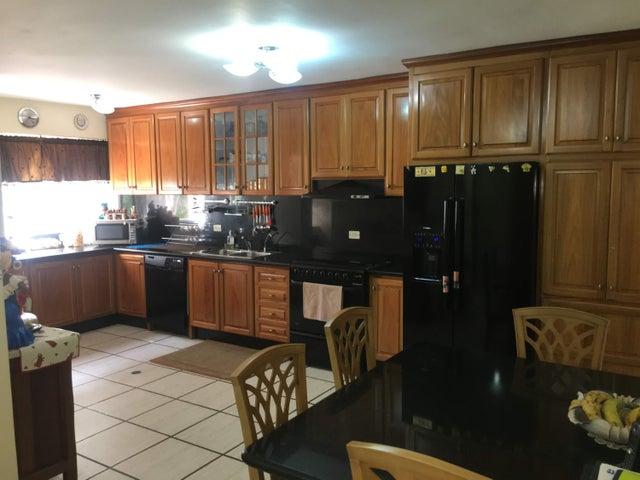 Apartamento Distrito Metropolitano>Caracas>Lomas de La Lagunita - Venta:400.000 Precio Referencial - codigo: 19-14796