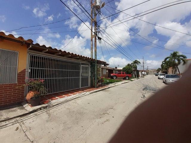 Casa Lara>Cabudare>Parroquia Jose Gregorio - Venta:13.000 Precio Referencial - codigo: 19-14812