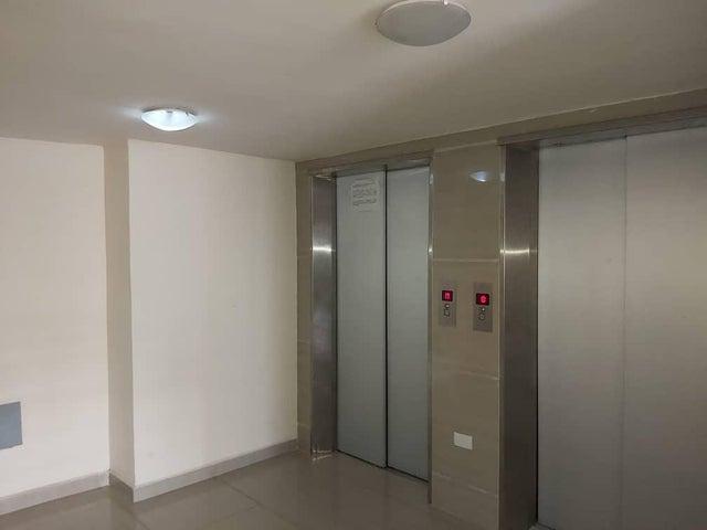 Apartamento Carabobo>Valencia>Agua Blanca - Venta:16.000 Precio Referencial - codigo: 19-14828