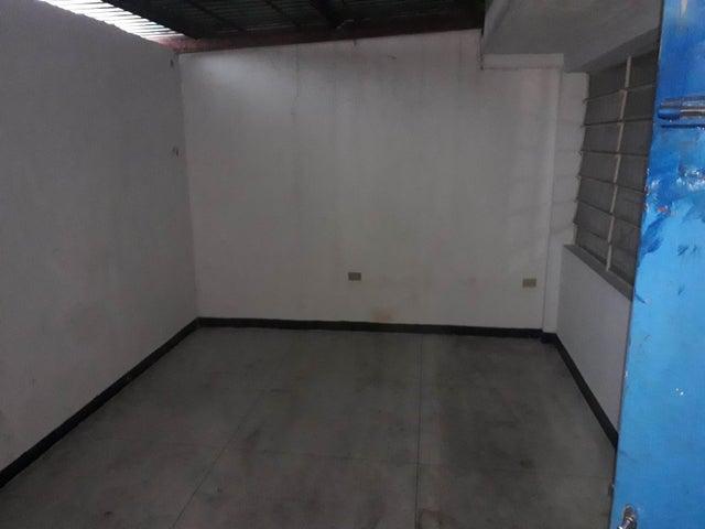 Local Comercial Distrito Metropolitano>Caracas>Parroquia Santa Rosalia - Alquiler:3.400 Precio Referencial - codigo: 19-14864