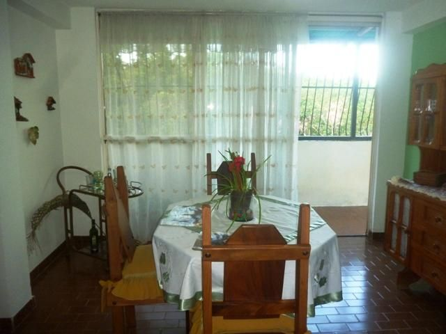 Apartamento Miranda>Cua>Santa Rosa - Venta:12.000 Precio Referencial - codigo: 19-14902