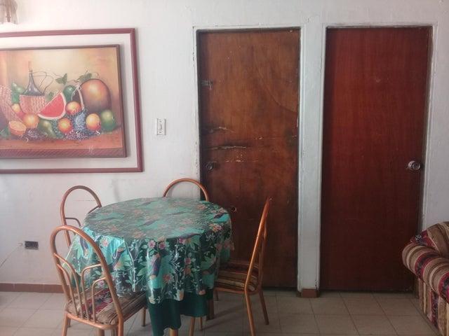 Casa Falcon>Punto Fijo>Antiguo Aeropuerto - Venta:6.000 Precio Referencial - codigo: 19-14915