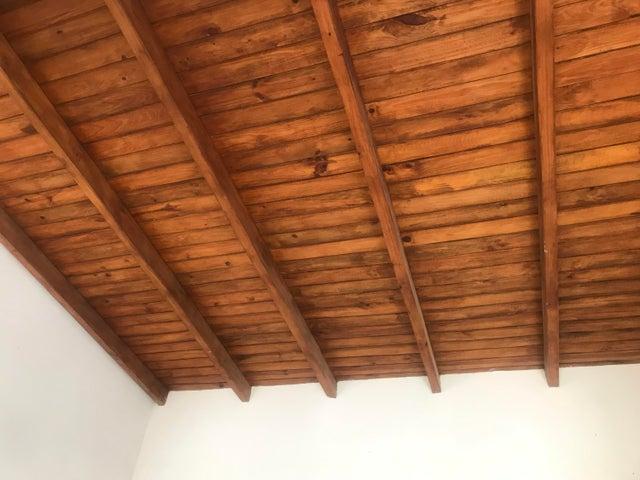 Casa Falcon>Punto Fijo>Punto Fijo - Venta:9.000 Precio Referencial - codigo: 19-15066