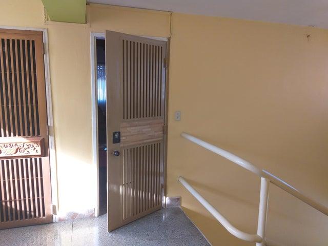 Apartamento Lara>Barquisimeto>Los Jabillos - Venta:21.000 Precio Referencial - codigo: 19-14932