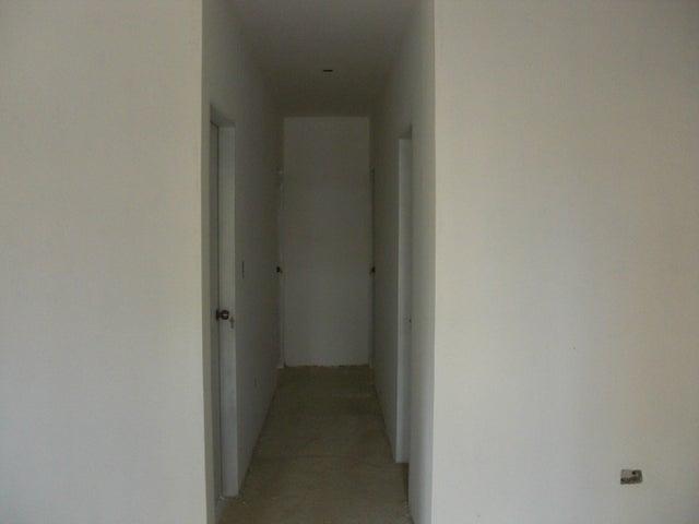 Apartamento Falcon>Coro>Sector La Floresta - Venta:20.000 Precio Referencial - codigo: 19-14987