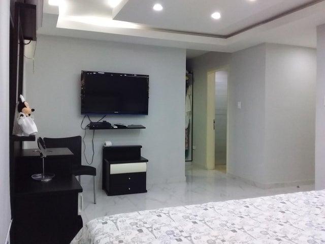 Apartamento Aragua>Cagua>Santa Rosalia - Venta:65.000 Precio Referencial - codigo: 19-15011
