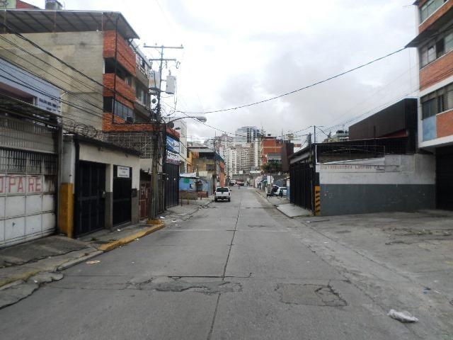 Galpon - Deposito Distrito Metropolitano>Caracas>Los Dos Caminos - Venta:126.000 Precio Referencial - codigo: 19-15018