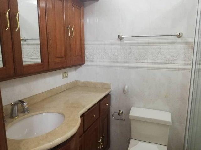 Townhouse Zulia>Maracaibo>Virginia - Alquiler:2.200 Precio Referencial - codigo: 19-15035