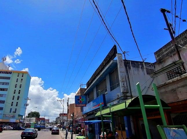 Local Comercial Lara>Cabudare>Parroquia Cabudare - Alquiler:200 Precio Referencial - codigo: 19-15131