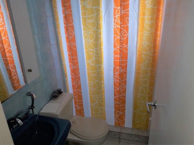 Apartamento Distrito Metropolitano>Caracas>Guaicay - Venta:54.000 Precio Referencial - codigo: 19-15139