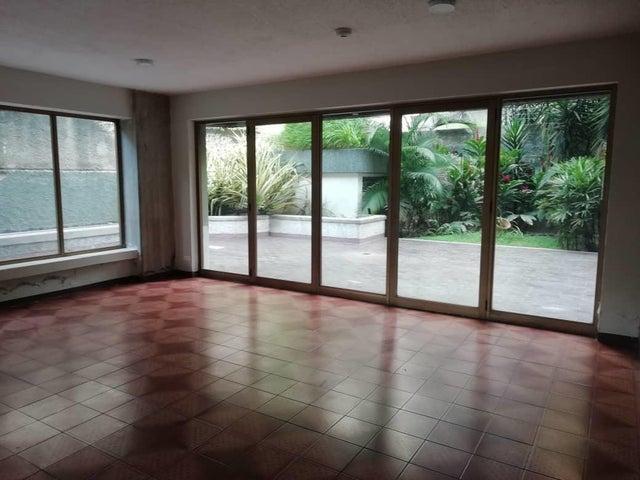 Apartamento Distrito Metropolitano>Caracas>El Rosal - Alquiler:450 Precio Referencial - codigo: 19-15159