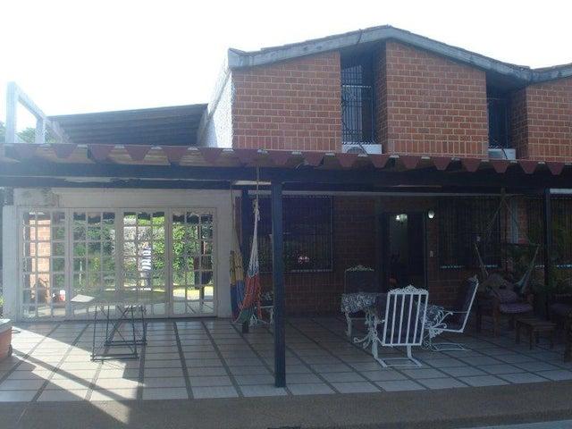 Townhouse Miranda>Guarenas>Nueva Casarapa - Venta:45.000 Precio Referencial - codigo: 19-15370