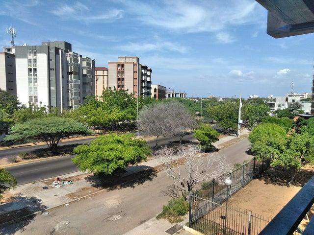 Local Comercial Zulia>Maracaibo>La Paragua - Alquiler:150 Precio Referencial - codigo: 19-15351