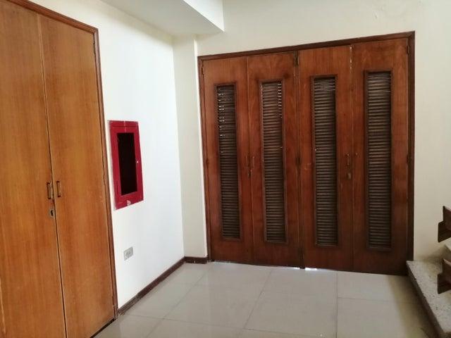 Apartamento Zulia>Maracaibo>Tierra Negra - Venta:65.000 Precio Referencial - codigo: 19-15397
