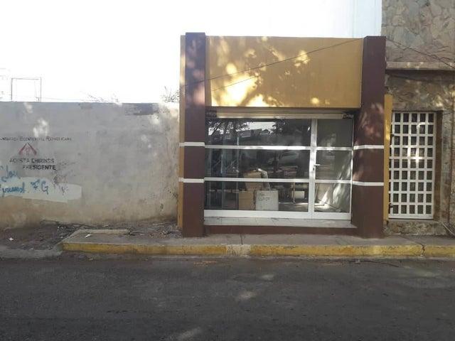 Local Comercial Falcon>Coro>Centro - Alquiler:120 Precio Referencial - codigo: 19-15561