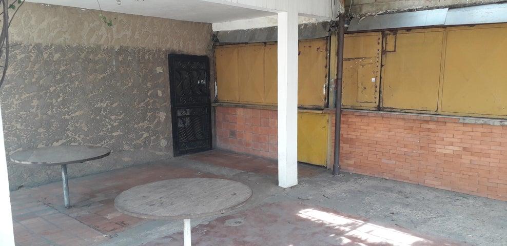 Local Comercial Zulia>Maracaibo>Pueblo Nuevo - Venta:50.000 Precio Referencial - codigo: 19-15758
