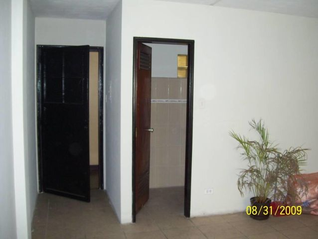 Oficina Distrito Metropolitano>Caracas>Parroquia Santa Rosalia - Alquiler:180 Precio Referencial - codigo: 19-16118