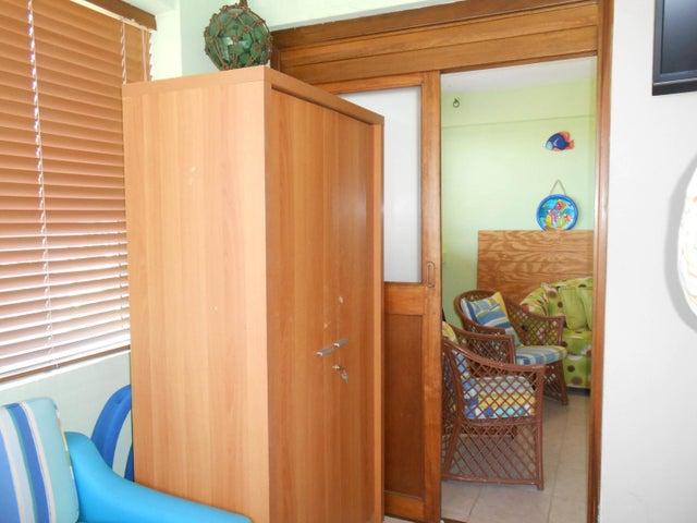 Apartamento Falcon>Tucacas>Tucacas - Venta:15.000 Precio Referencial - codigo: 19-15764