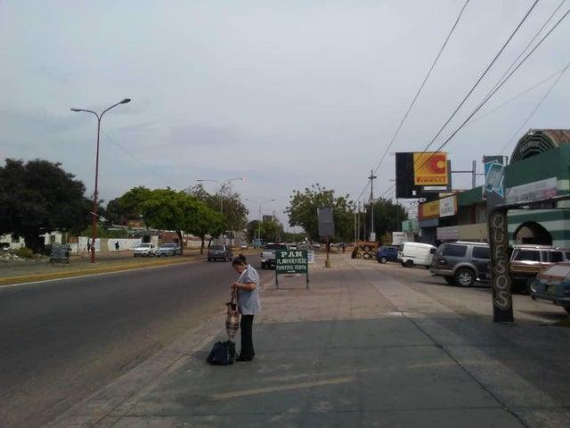 Local Comercial Zulia>Maracaibo>Circunvalacion Dos - Venta:40.000 Precio Referencial - codigo: 19-15898