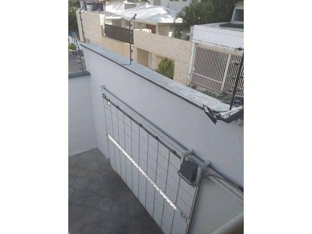 Casa Distrito Metropolitano>Caracas>Prados del Este - Venta:550.000 Precio Referencial - codigo: 19-15829