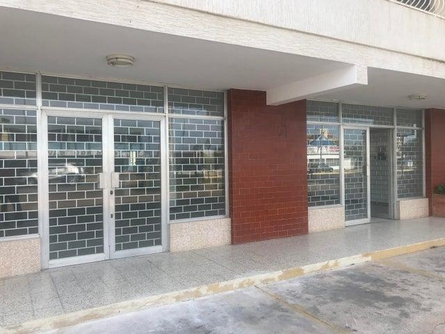 Local Comercial Zulia>Ciudad Ojeda>Cristobal Colon - Alquiler:300 Precio Referencial - codigo: 19-16279