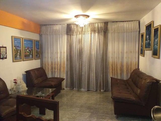 Apartamento Lara>Barquisimeto>Centro - Venta:12.000 Precio Referencial - codigo: 19-15937
