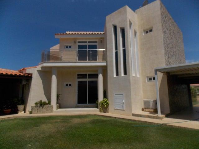Casa Falcon>Punto Fijo>Terrazas Club de Golf - Venta:230.000 Precio Referencial - codigo: 19-15979