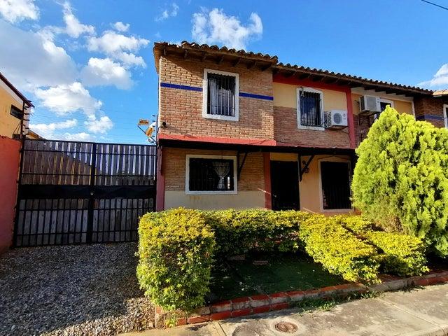 Casa Lara>Cabudare>Parroquia Jose Gregorio - Venta:15.500 Precio Referencial - codigo: 19-16026