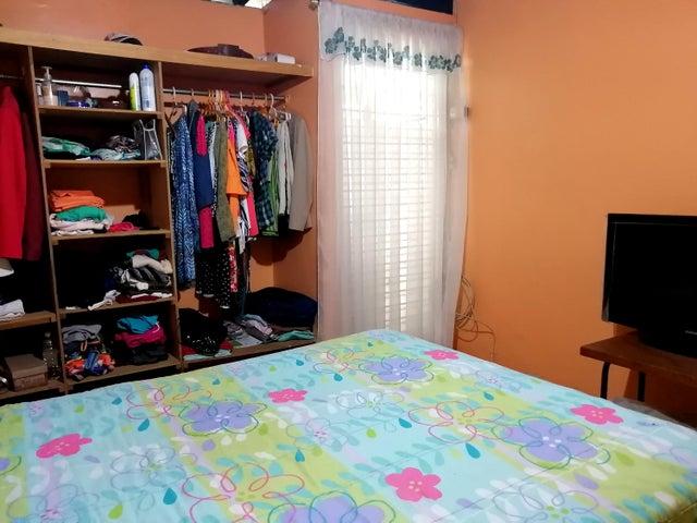 Casa Lara>Cabudare>Parroquia Jose Gregorio - Venta:12.900 Precio Referencial - codigo: 19-16058