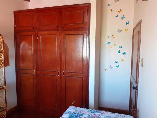 Townhouse Zulia>Maracaibo>La Limpia - Venta:28.000 Precio Referencial - codigo: 19-16061