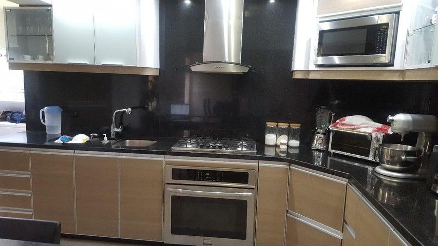 Apartamento Distrito Metropolitano>Caracas>Caurimare - Venta:95.000 Precio Referencial - codigo: 19-16107