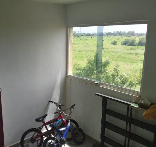 Apartamento Carabobo>Municipio Los Guayos>Paraparal - Venta:5.500 Precio Referencial - codigo: 19-16131