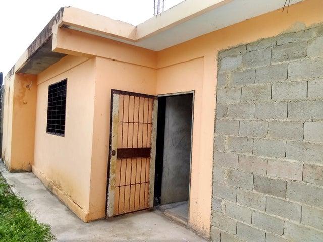 Casa Lara>Cabudare>Parroquia Cabudare - Venta:5.000 Precio Referencial - codigo: 19-16140