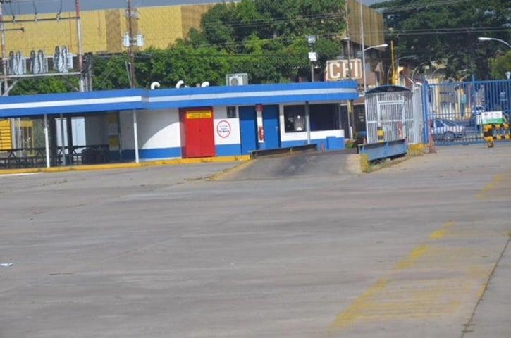 Galpon - Deposito Carabobo>Valencia>Zona Industrial El Recreo - Alquiler:22.000 Precio Referencial - codigo: 19-16677