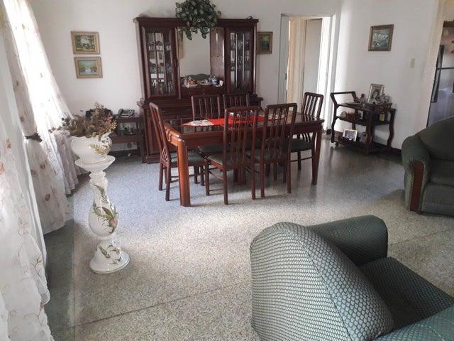 Apartamento Distrito Metropolitano>Caracas>Los Chaguaramos - Venta:30.000 Precio Referencial - codigo: 19-16288