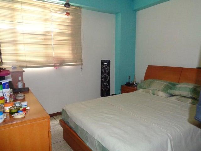 Apartamento Distrito Metropolitano>Caracas>Chacao - Venta:78.000 Precio Referencial - codigo: 19-16306