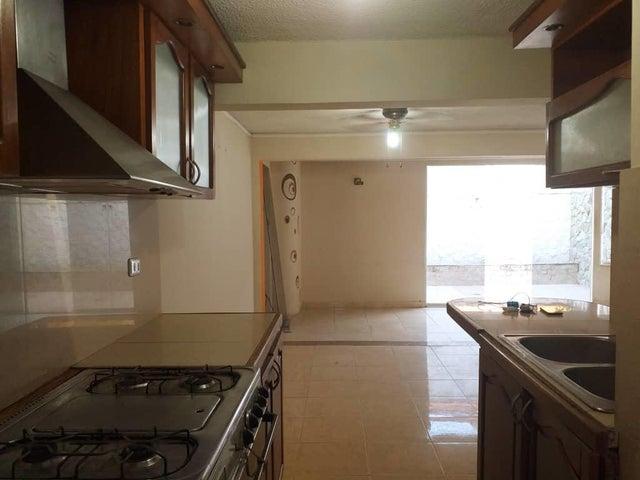 Casa Lara>Cabudare>La Mora - Venta:22.000 Precio Referencial - codigo: 19-102