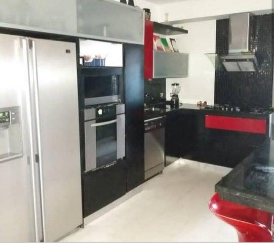 Apartamento Zulia>Maracaibo>Avenida El Milagro - Venta:32.000 Precio Referencial - codigo: 19-11144