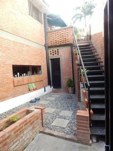 Casa Distrito Metropolitano>Caracas>Prados del Este - Venta:400.000 Precio Referencial - codigo: 19-17317