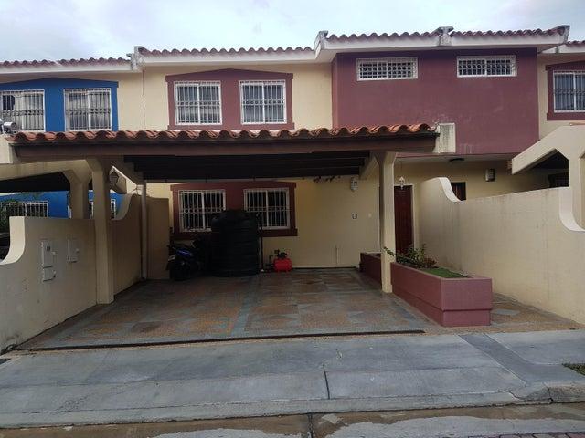 Casa Lara>Barquisimeto>La Rosaleda - Venta:95.000 Precio Referencial - codigo: 19-16766