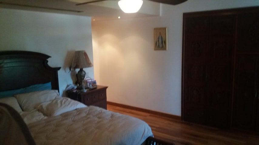 Apartamento Distrito Metropolitano>Caracas>La Tahona - Venta:380.000 Precio Referencial - codigo: 19-17645